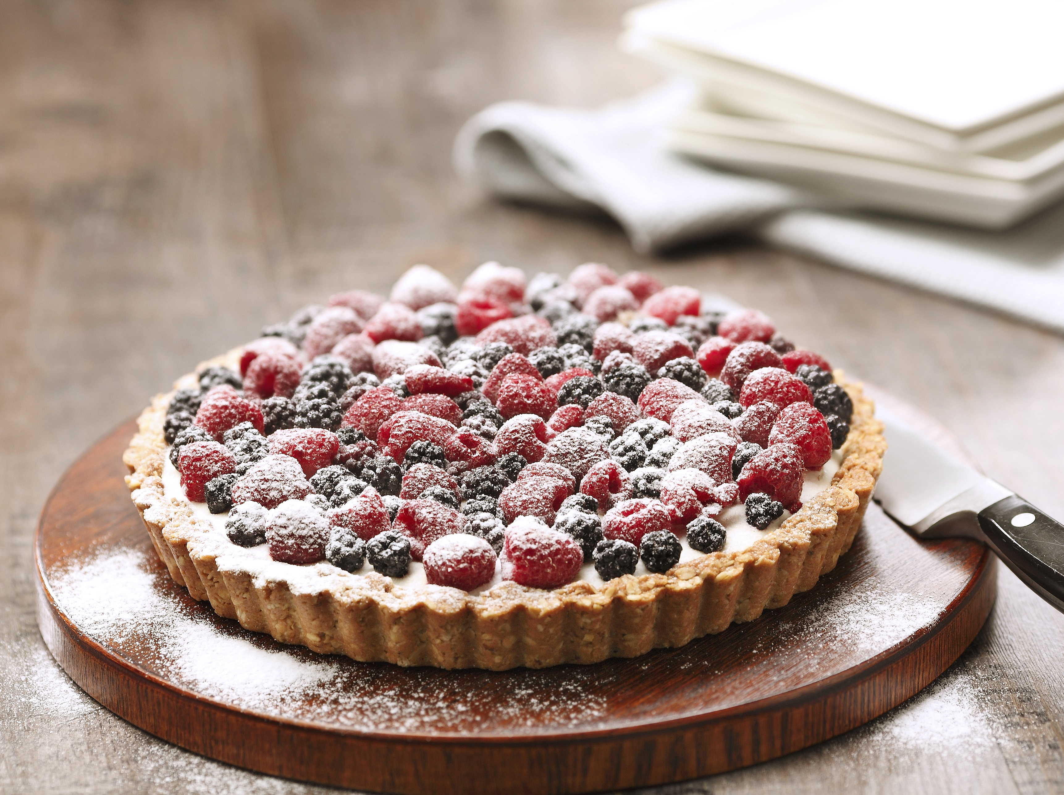 GREEK YOGURT & MASCARPONE MIXED BERRIES PIE